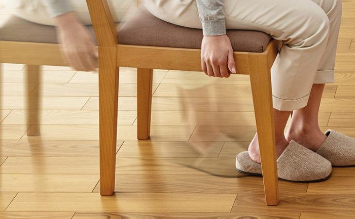 椅子のすり傷