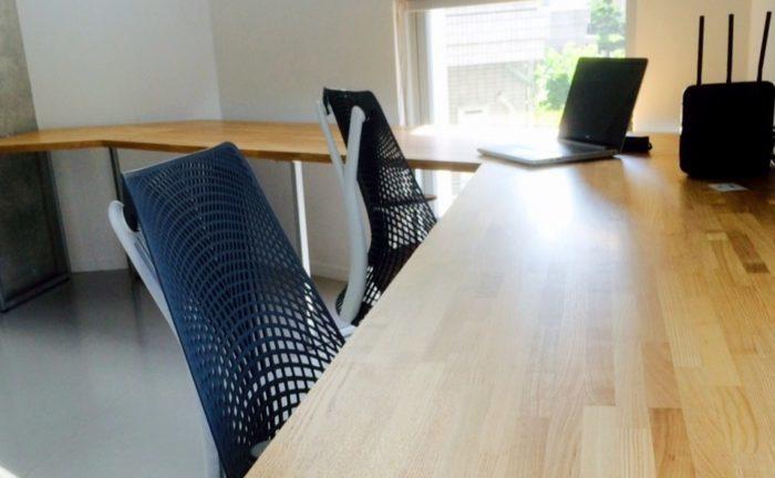 オフィスでも木製デスクが増えている!その効果と事例